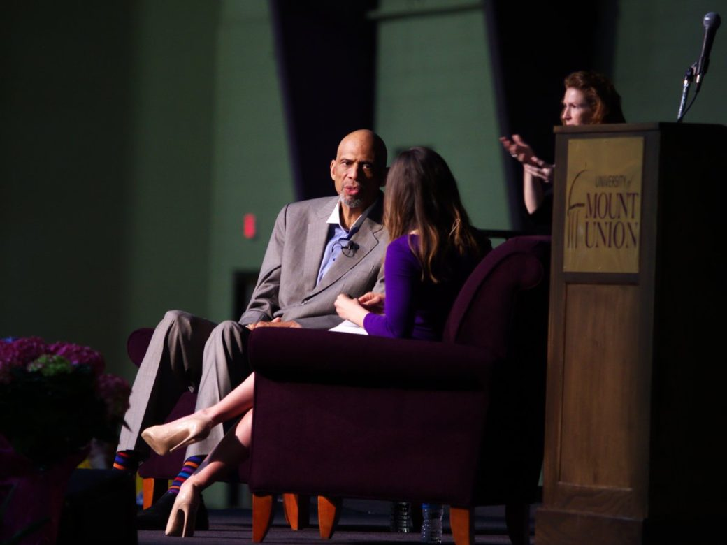 Record Crowd Welcomes Kareem Abdul-Jabbar at Annual Schooler Lecture